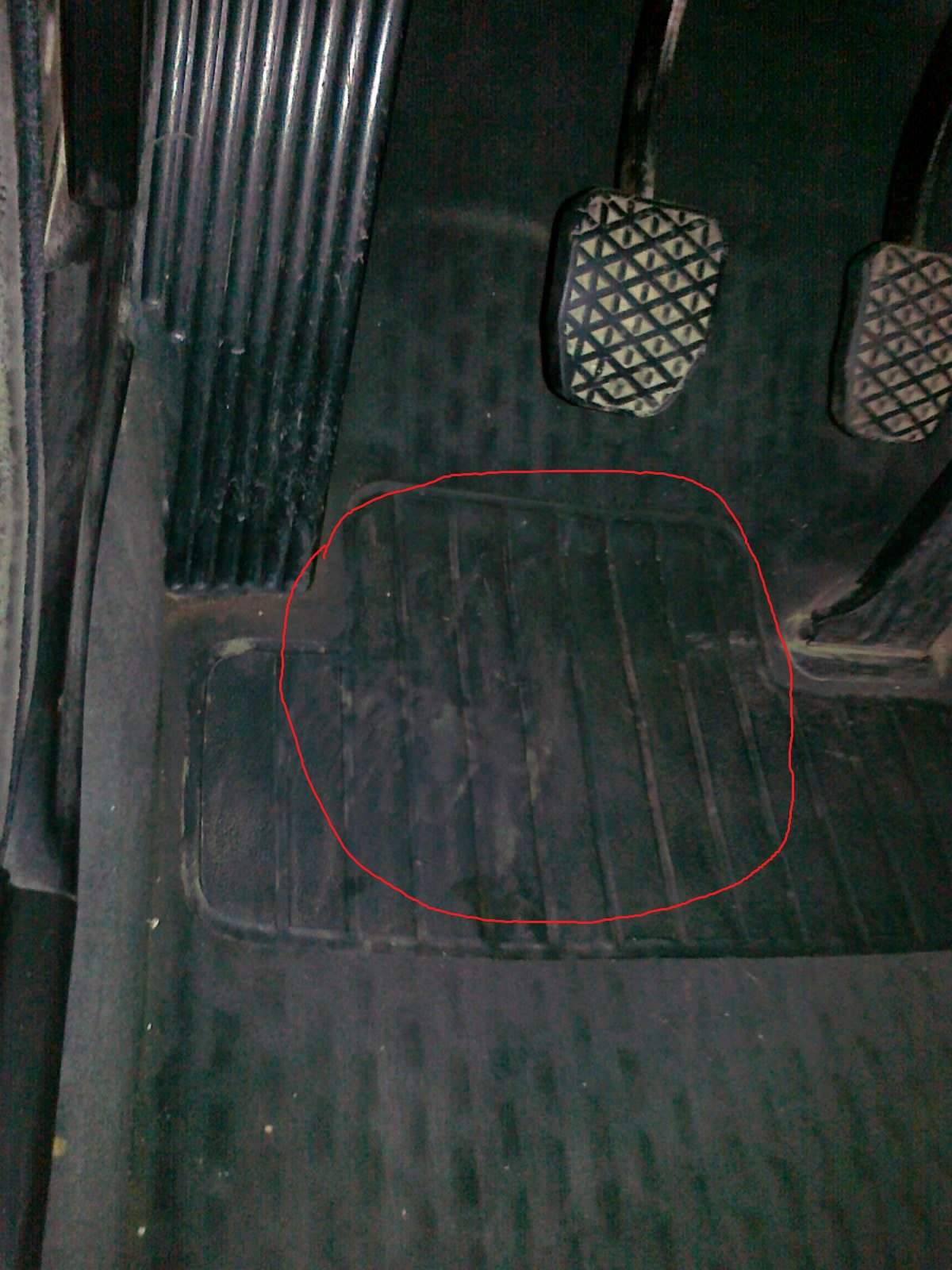 Water in driver\'s side footwell (no sunroof)
